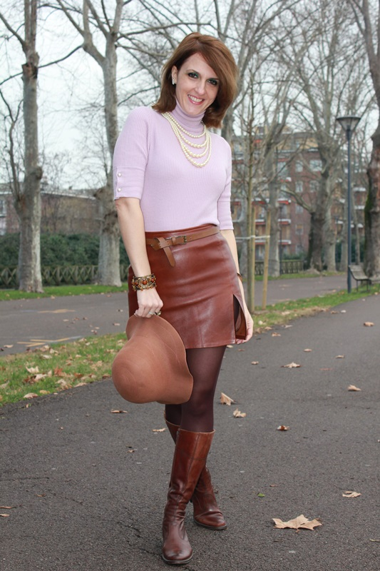 Indian Savage Margaret Dallospedale The Indian Savage diary winter outfit leather skirt 5