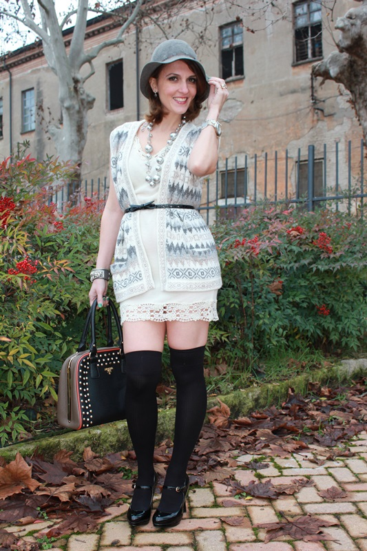 Indian Savage Margaret Dallospedale Fashion blogger The Indian Savage diary Winter outfit grey white black 1