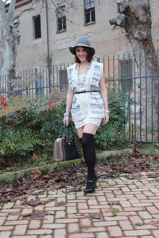 Indian Savage Margaret Dallospedale Fashion blogger The Indian Savage diary Winter outfit grey white black 2