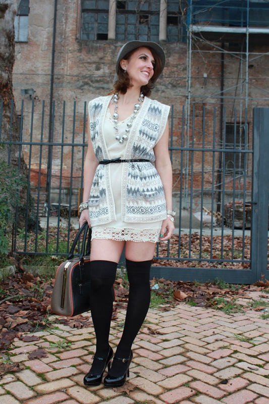 Indian Savage Margaret Dallospedale Fashion blogger The Indian Savage diary Winter outfit grey white black 5