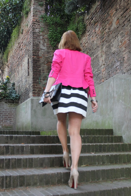 Margaret Dallospedale, Fashion blogger, The Indian Savage diary, Fashion blog, www.indiansavage.com, fashion tips, Beauty Tips, Lifestyle, Big Black and White stripes skirt, 5