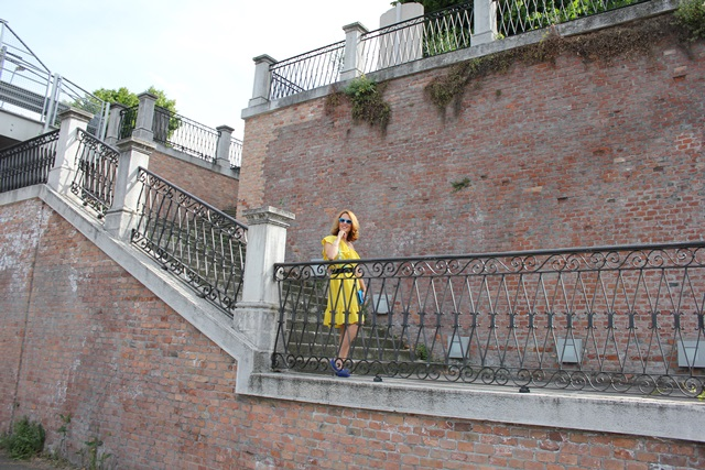Margaret Dallospedale, Fashion blogger, The Indian Savage diary, Fashion blog, www.indiansavage.com, fashion tips, Lifestyle, Personal style, Yellow dress, 13