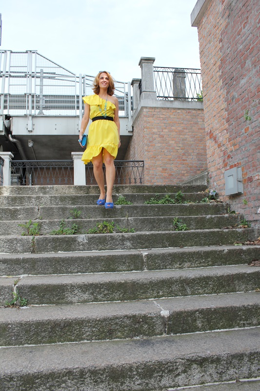 Margaret Dallospedale, Fashion blogger, The Indian Savage diary, Fashion blog, www.indiansavage.com, fashion tips, Lifestyle, Personal style, Yellow dress, 3