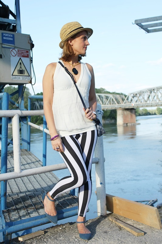 Margaret Dallospedale, Fashion blogger, The Indian Savage diary, Fashion blog, www.indiansavage.com, fashion tips, Lifestyle, Personal style, striped pants , 8