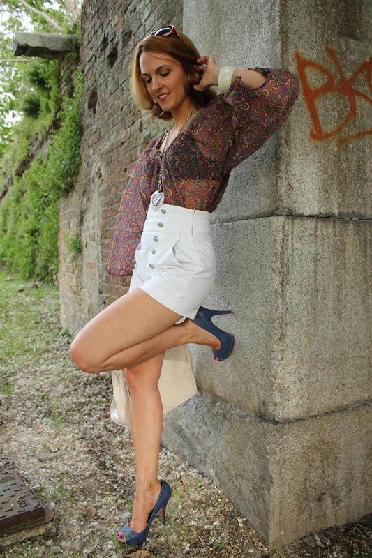 Margaret Dallospedale, Fashion blogger, The Indian Savage diary, Fashion blog, www.indiansavage.com, fashion tips, Lifestyle, white hotpants , 5