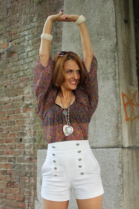 Margaret Dallospedale, Fashion blogger, The Indian Savage diary, Fashion blog, www.indiansavage.com, fashion tips, Lifestyle, white hotpants , 6