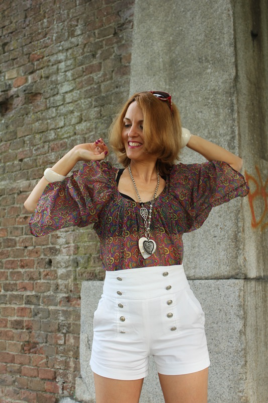 Margaret Dallospedale, Fashion blogger, The Indian Savage diary, Fashion blog, www.indiansavage.com, fashion tips, Lifestyle, white hotpants , 8
