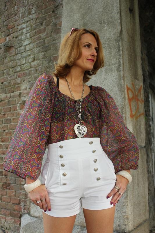 Margaret Dallospedale, Fashion blogger, The Indian Savage diary, Fashion blog, www.indiansavage.com, fashion tips, Lifestyle, white hotpants , 9