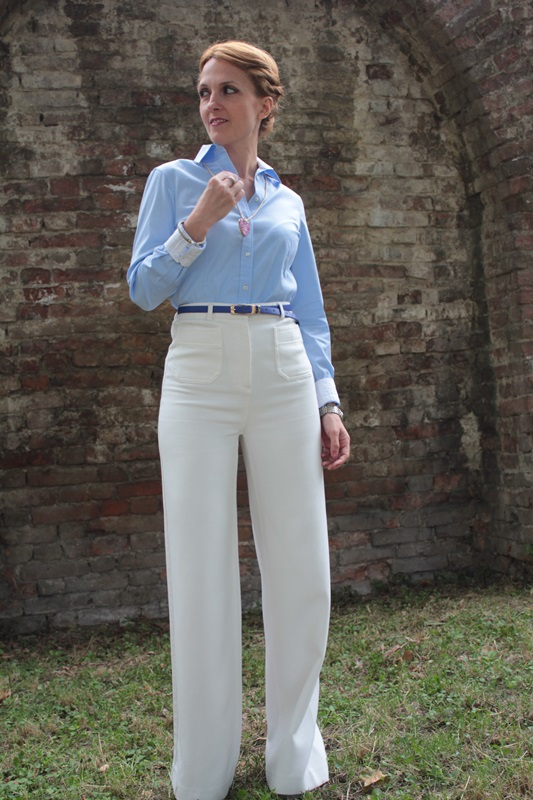 Margaret Dallospedale, Fashion blogger, The Indian Savage diary, Fashion blog, www.indiansavage.com, fashion tips, Lifestyle, How to wear, Babe blue shirt and White pants, Paivè bijoux 1