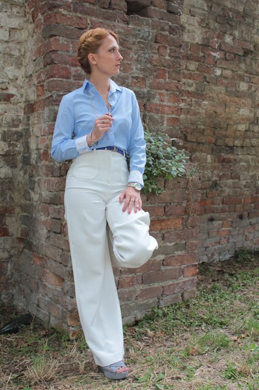 Margaret Dallospedale, Fashion blogger, The Indian Savage diary, Fashion blog, www.indiansavage.com, fashion tips, Lifestyle, How to wear, Babe blue shirt and White pants, Paivè bijoux 4