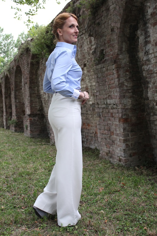 Margaret Dallospedale, Fashion blogger, The Indian Savage diary, Fashion blog, www.indiansavage.com, fashion tips, Lifestyle, How to wear, Babe blue shirt and White pants, Paivè bijoux 5