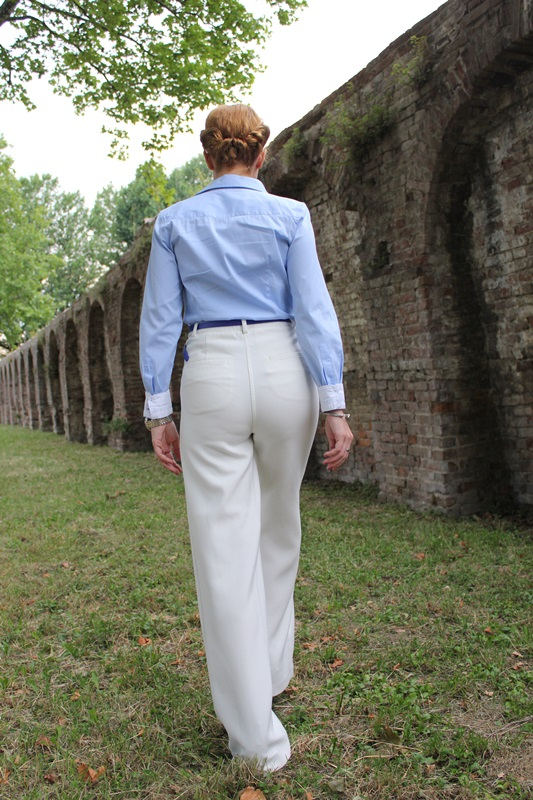 Margaret Dallospedale, Fashion blogger, The Indian Savage diary, Fashion blog, www.indiansavage.com, fashion tips, Lifestyle, How to wear, Babe blue shirt and White pants, Paivè bijoux 6
