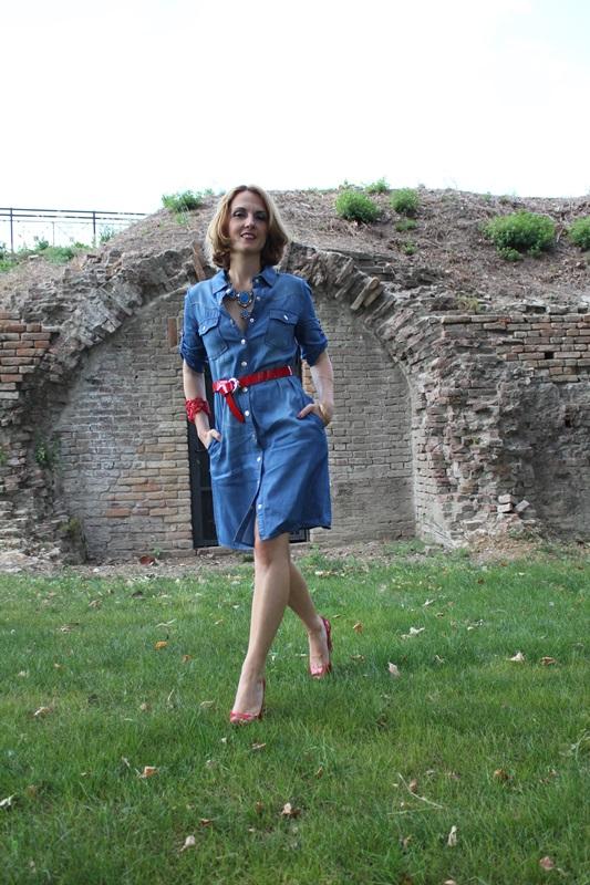 Margaret Dallospedale, Fashion blogger, The Indian Savage diary, Fashion blog, www.indiansavage.com, fashion tips, Lifestyle, How to wear, Denim dress , 4