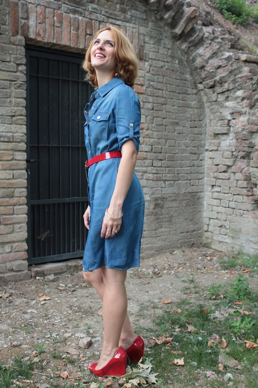 Margaret Dallospedale, Fashion blogger, The Indian Savage diary, Fashion blog, www.indiansavage.com, fashion tips, Lifestyle, How to wear, Denim dress , 5