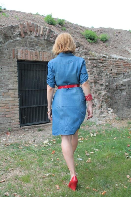 Margaret Dallospedale, Fashion blogger, The Indian Savage diary, Fashion blog, www.indiansavage.com, fashion tips, Lifestyle, How to wear, Denim dress , 6