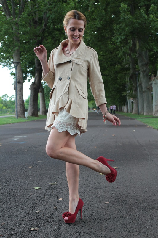 Margaret Dallospedale, Fashion blogger, The Indian Savage diary, Fashion blog, www.indiansavage.com, fashion tips, Lifestyle, How to wear, Double-breasted trench coat,  1