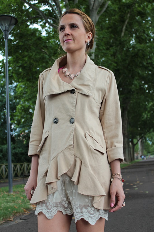Margaret Dallospedale, Fashion blogger, The Indian Savage diary, Fashion blog, www.indiansavage.com, fashion tips, Lifestyle, How to wear, Double-breasted trench coat,  6