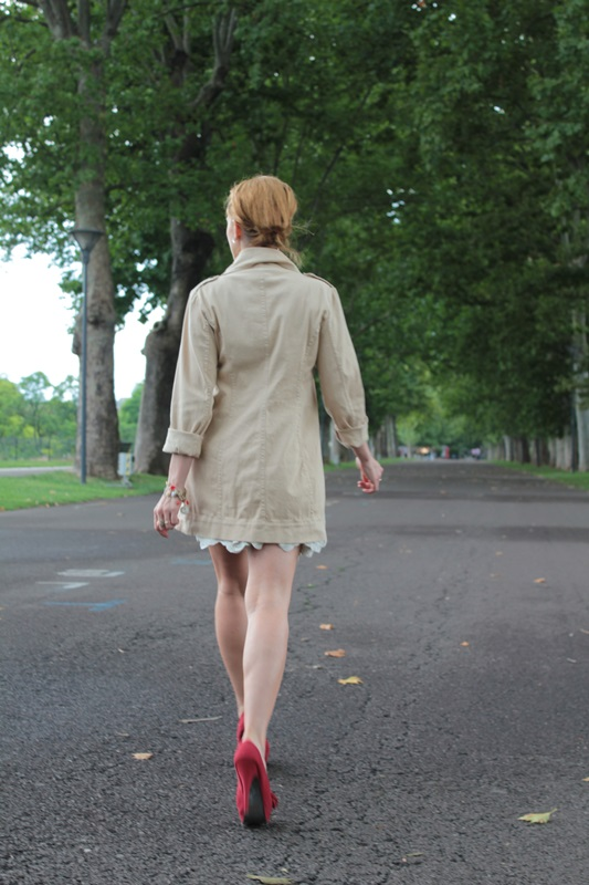 Margaret Dallospedale, Fashion blogger, The Indian Savage diary, Fashion blog, www.indiansavage.com, fashion tips, Lifestyle, How to wear, Double-breasted trench coat,  8