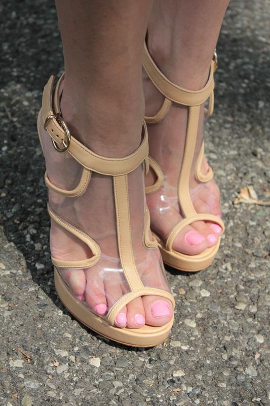 Margaret Dallospedale, Fashion blogger, The Indian Savage diary, Fashion blog, www.indiansavage.com, fashion tips, Lifestyle, How to wear, PVC shoes, Plexiglass, 9