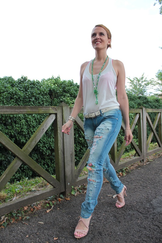 Margaret Dallospedale, Fashion blogger, The Indian Savage diary, Fashion blog, www.indiansavage.com, fashion tips, Lifestyle, How to wear, Ripped jeans,  3