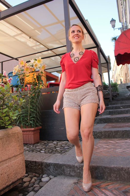 Margaret Dallospedale, Fashion blogger, The Indian Savage diary, Fashion blog, www.indiansavage.com, fashion tips, Lifestyle, How to wear, lace shorts,  1