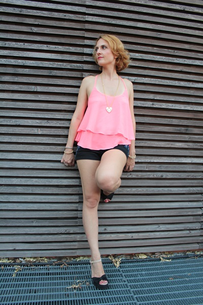 Margaret Dallospedale, Fashion blogger, The Indian Savage diary, Fashion blog, www.indiansavage.com, fashion tips, Lifestyle, How to wear, Ruffle Tank Top, 1