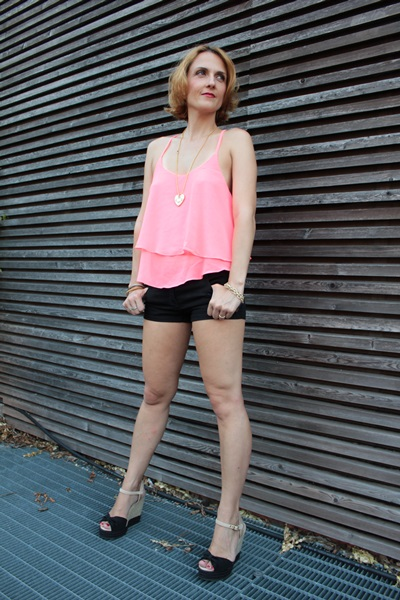 Margaret Dallospedale, Fashion blogger, The Indian Savage diary, Fashion blog, www.indiansavage.com, fashion tips, Lifestyle, How to wear, Ruffle Tank Top, 5