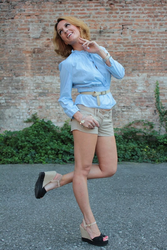 Margaret Dallospedale, Fashion blogger, The Indian Savage diary, Fashion blog, www.indiansavage.com, fashion tips, Lifestyle, How to wear, baby blue and beige, 1