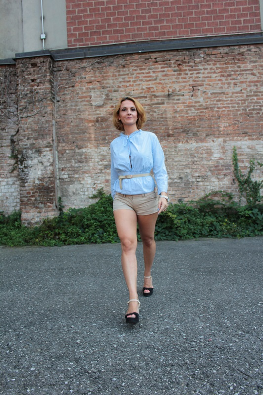 Margaret Dallospedale, Fashion blogger, The Indian Savage diary, Fashion blog, www.indiansavage.com, fashion tips, Lifestyle, How to wear, baby blue and beige, 3