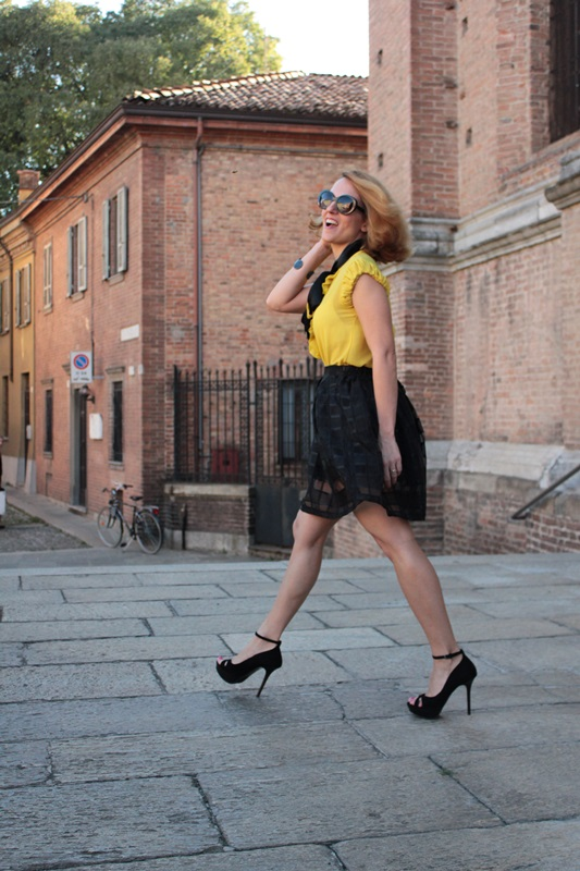 Margaret Dallospedale, Fashion blogger, The Indian Savage diary, Fashion blog, www.indiansavage.com, fashion tips, Lifestyle, How to wear, Yellow and black, blackfive, 1