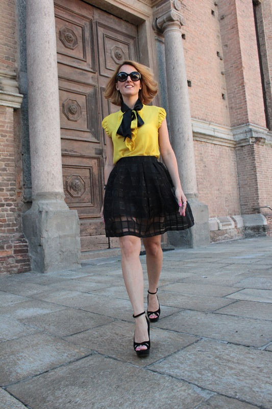 Margaret Dallospedale, Fashion blogger, The Indian Savage diary, Fashion blog, www.indiansavage.com, fashion tips, Lifestyle, How to wear, Yellow and black, blackfive, 3
