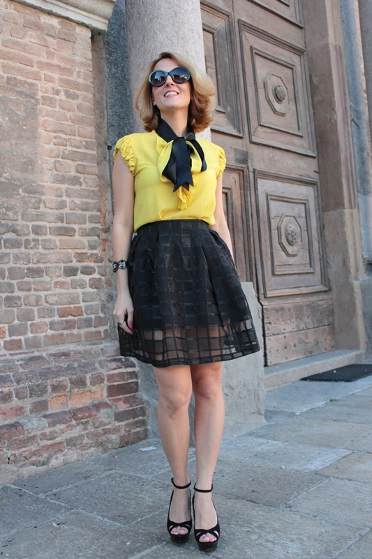 Margaret Dallospedale, Fashion blogger, The Indian Savage diary, Fashion blog, www.indiansavage.com, fashion tips, Lifestyle, How to wear, Yellow and black, blackfive, 5