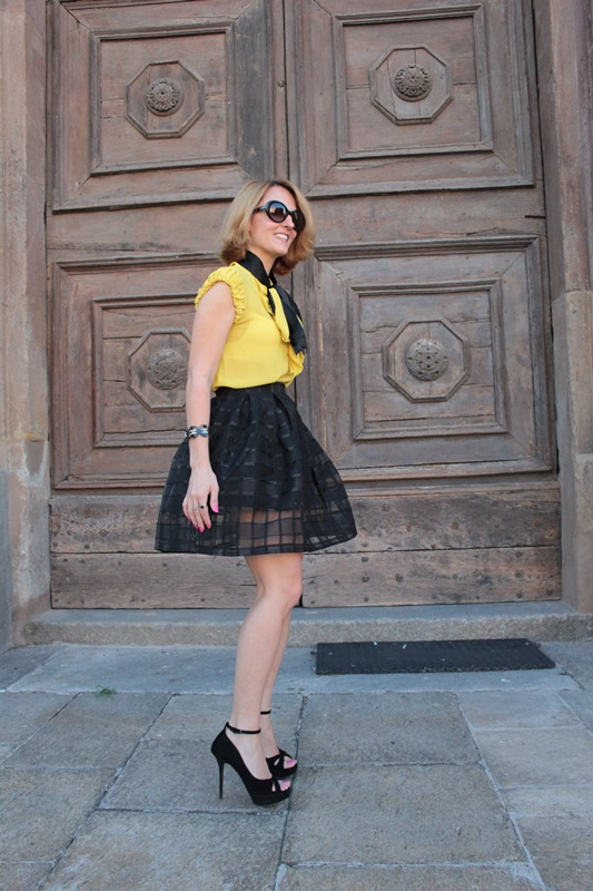 Margaret Dallospedale, Fashion blogger, The Indian Savage diary, Fashion blog, www.indiansavage.com, fashion tips, Lifestyle, How to wear, Yellow and black, blackfive, 7