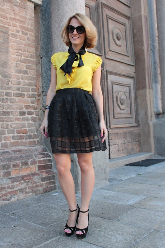 Margaret Dallospedale, Fashion blogger, The Indian Savage diary, Fashion blog, www.indiansavage.com, fashion tips, Lifestyle, How to wear, Yellow and black, blackfive, 9