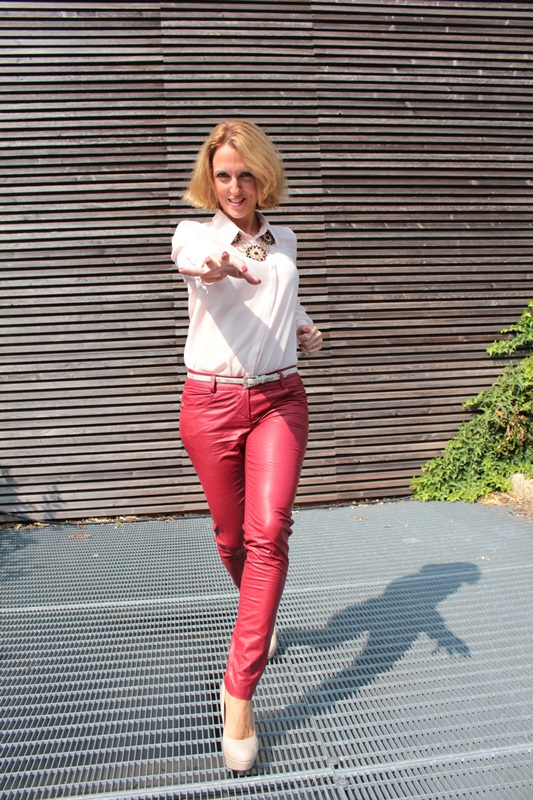 Margaret Dallospedale, Fashion blogger, The Indian Savage diary, Fashion blog, www.indiansavage.com, fashion tips, Lifestyle, How to wear, neckline, Leather pants, 2