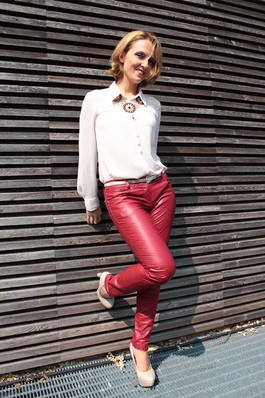 Margaret Dallospedale, Fashion blogger, The Indian Savage diary, Fashion blog, www.indiansavage.com, fashion tips, Lifestyle, How to wear, neckline, Leather pants, 5
