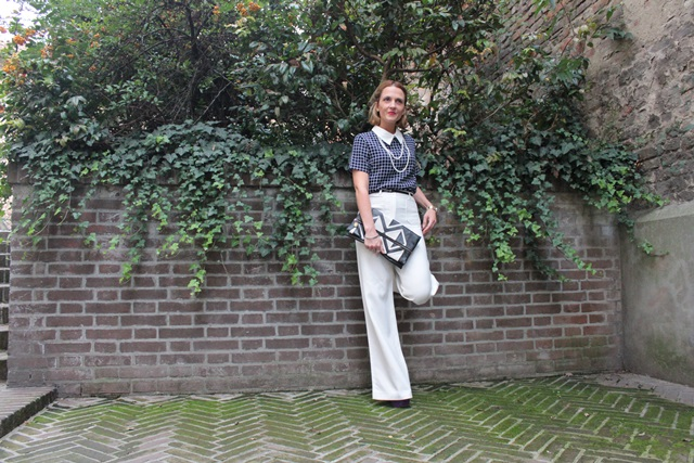 Margaret Dallospedale, Fashion blogger, The Indian Savage diary, Fashion blog, www.indiansavage.com, fashion tips, Lifestyle, How to wear, neckline, dressshirt, 11