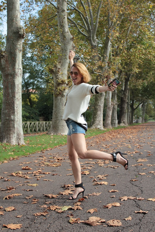 Margaret Dallospedale, Fashion blogger, Maggie Dallospedale Fashion diary, fashion tips, Lifestyle, Denim shorts and sweater, 5
