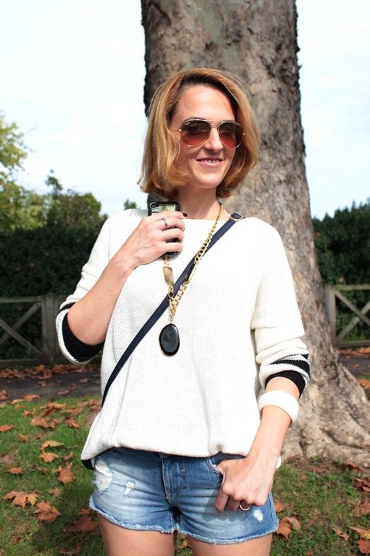 Margaret Dallospedale, Fashion blogger, Maggie Dallospedale Fashion diary, fashion tips, Lifestyle, Denim shorts and sweater, 9