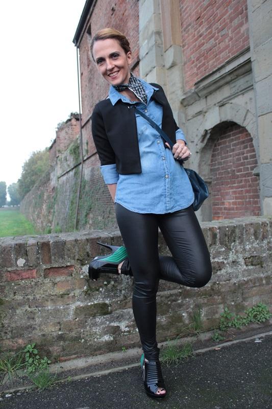 Margaret Dallospedale, Fashion blogger, Maggie Dallospedale Fashion diary, fashion tips, Lifestyle, Leather leggings and denim shirt, 1