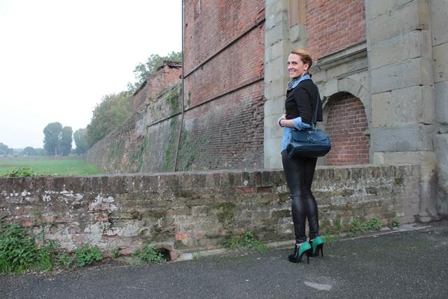 Margaret Dallospedale, Fashion blogger, Maggie Dallospedale Fashion diary, fashion tips, Lifestyle, Leather leggings and denim shirt, 10