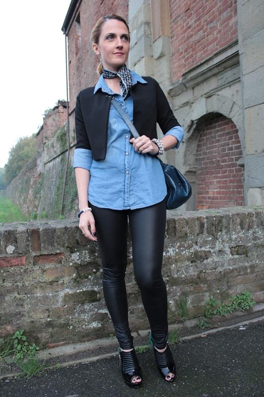 Margaret Dallospedale, Fashion blogger, Maggie Dallospedale Fashion diary, fashion tips, Lifestyle, Leather leggings and denim shirt, 4