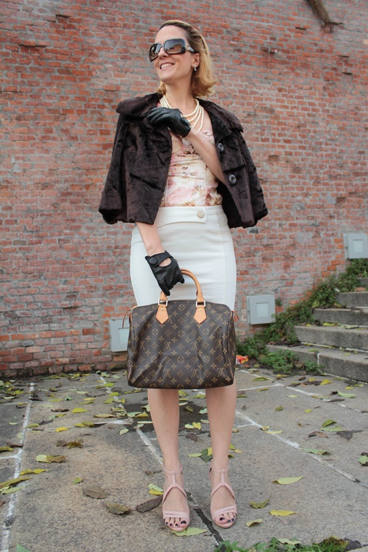 Margaret Dallospedale, Fashion blogger, Maggie Dallospedale Fashion diary, fashion tips, Lifestyle, Pencil skirt and corset, 0