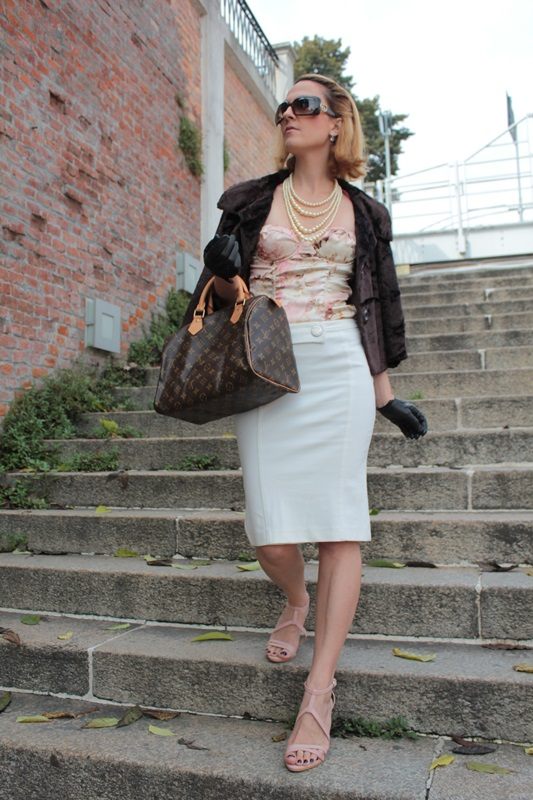 Margaret Dallospedale, Fashion blogger, Maggie Dallospedale Fashion diary, fashion tips, Lifestyle, Pencil skirt and corset, 4