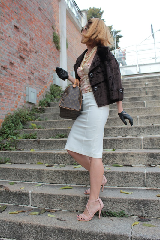 Margaret Dallospedale, Fashion blogger, Maggie Dallospedale Fashion diary, fashion tips, Lifestyle, Pencil skirt and corset, 5