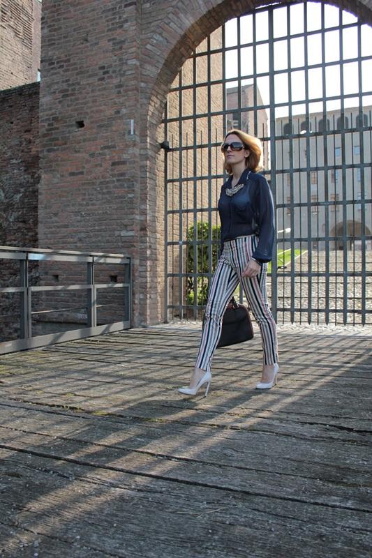 Margaret Dallospedale, Fashion blogger, Maggie Dallospedale Fashion diary, fashion tips, Lifestyle, Striped  pants, 3