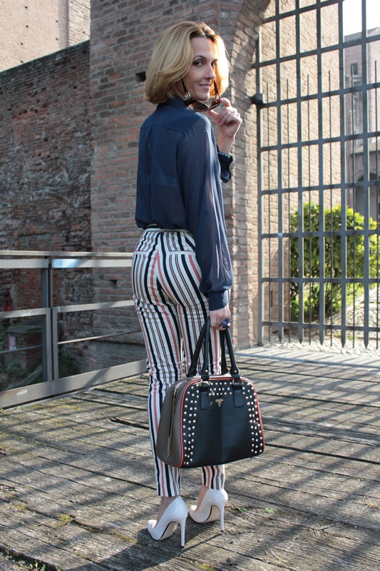 Margaret Dallospedale, Fashion blogger, Maggie Dallospedale Fashion diary, fashion tips, Lifestyle, Striped  pants, 7