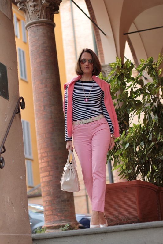 Margaret Dallospedale, Fashion blogger, Maggie Dallospedale Fashion diary, fashion tips, Lifestyle, Striped top and hot pink pants, 2