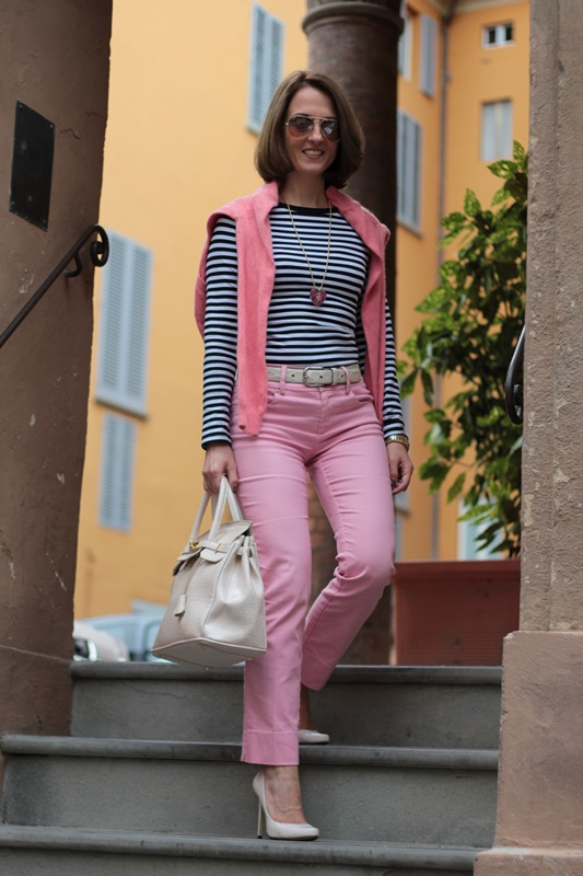 Margaret Dallospedale, Fashion blogger, Maggie Dallospedale Fashion diary, fashion tips, Lifestyle, Striped top and hot pink pants, 3
