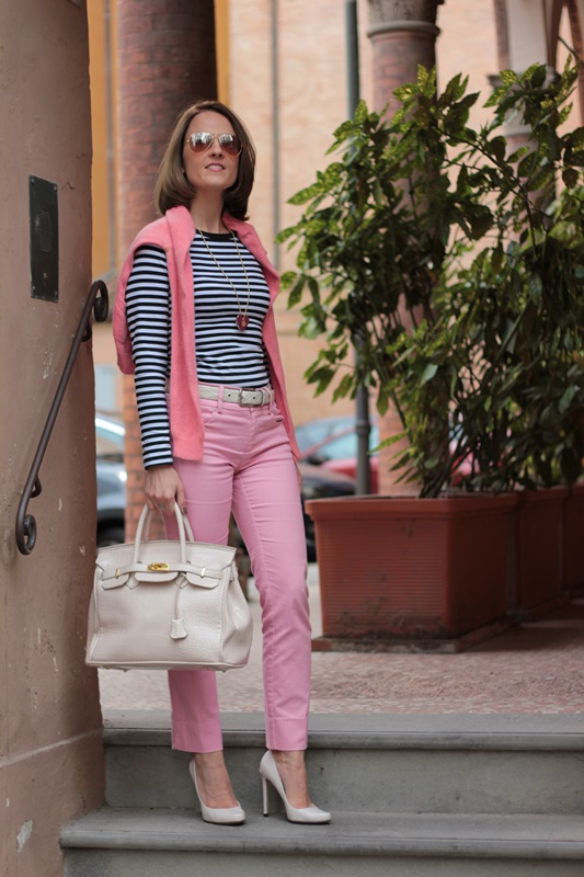 Margaret Dallospedale, Fashion blogger, Maggie Dallospedale Fashion diary, fashion tips, Lifestyle, Striped top and hot pink pants, 4